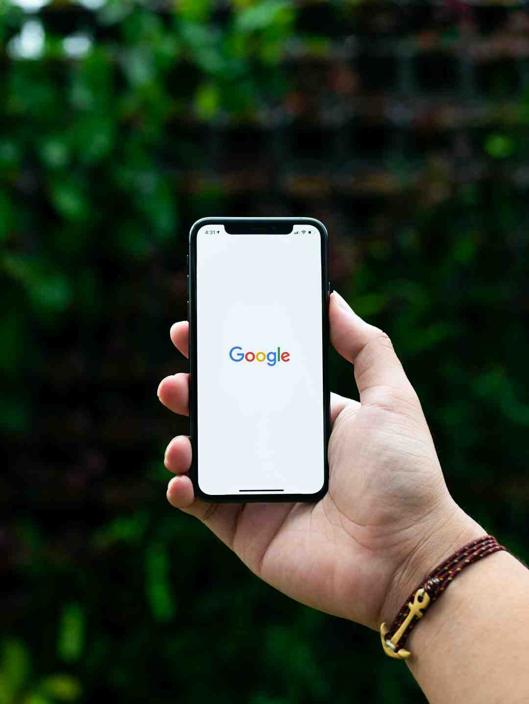 How do I search Google accurately?